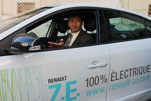 SAVE - Remise de clés de véhicules électriques à sept agents du Département