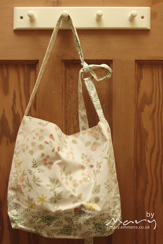 Giveaway - Slouch bag in vintage fabrics