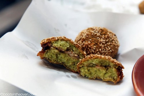 Felafel filled with onions