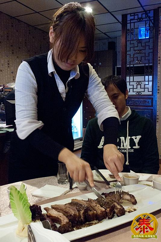 2012-01-01-武暖唬人料理插旗 (11)