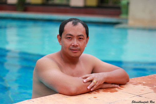 portrait swimmingpool arakuvalley shradhanjalirai