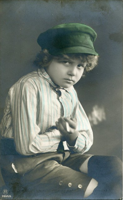 2855/6. Portrait of a smoking boy in a green hat (c.1912)