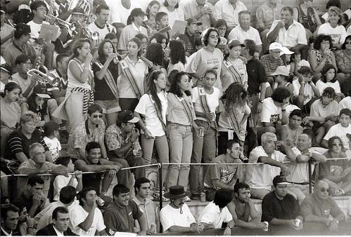 Público taurino en Cenizate