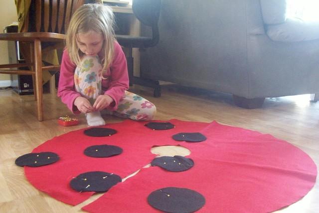 making a ladybug cape