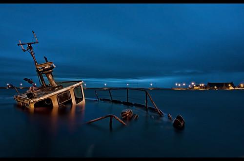 ocean longexposure ireland sunset misty coast boat movement dusk sunkenship galwayharbour
