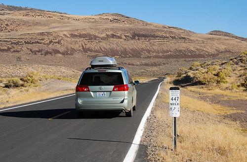 road car sign landscape highway desert nevada sienna communication toyota van minivan 1000 lightroom washoecounty 447 greenweenie ut2011oct sr447