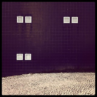 missingPair #iphoneography #urban #architecture #street #tiles #lisbon