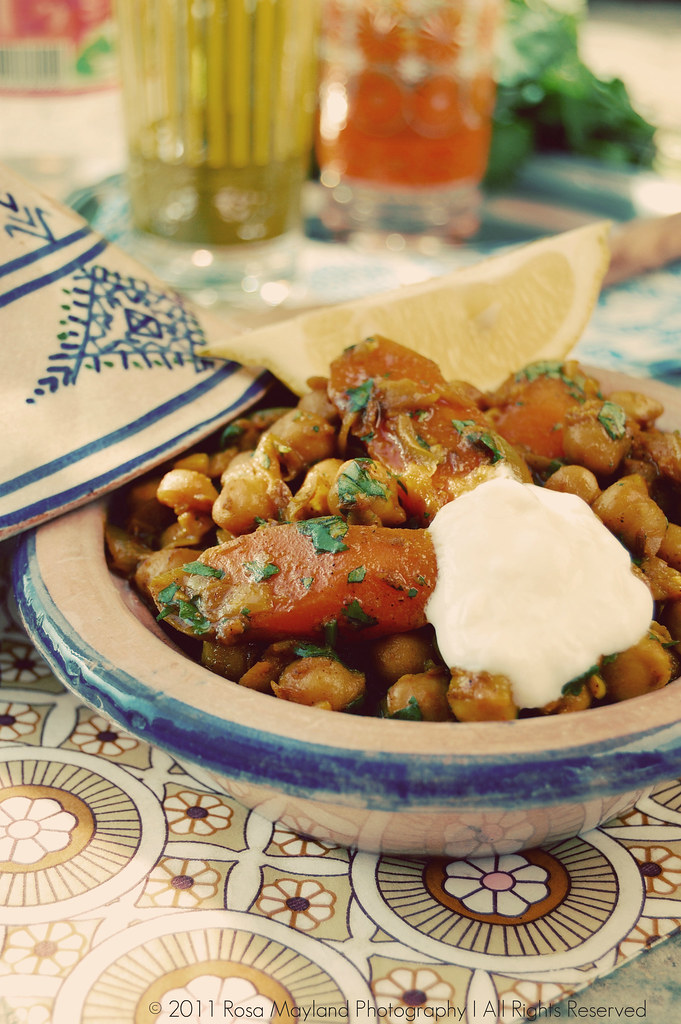 Rosa 39 s yummy yums spicy carrot chickpea tagine larousse cuisine book review the fairy - Edition larousse cuisine ...