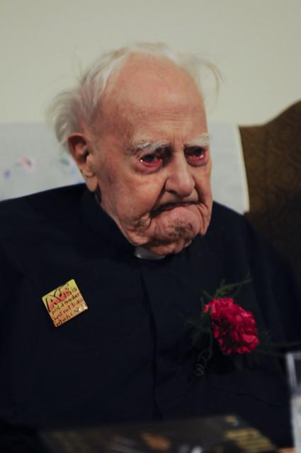 Britain's oldest man, Reg Dean, on his 109th birthday ...