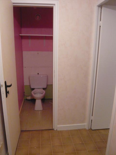 6331611780 0a114e19c4 for Repeindre les toilettes