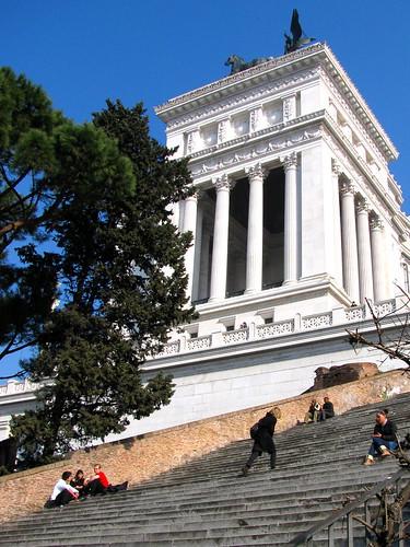 Palazzo Venezia y escalinata hacia Santa María in Arcoeli