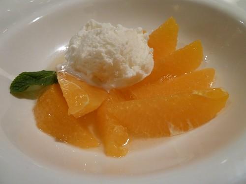Naranja con Almibar de Txakoli y helado de nata - Javier Lastras