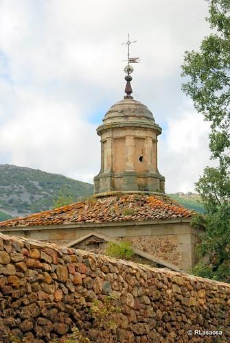 Monasterio de la Casa Baja, El Maíllo by Rufino Lasaosa