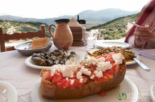 food greece crete greekislands fasolakia dolmades lassithi dakos lassithiplateau cretanfood cretefood seliambeloutavern