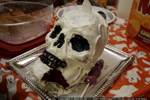 awesome skull cake    MG 7096