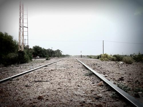 las vías y la nada