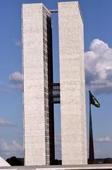 obelisk(0.0), arch(0.0), sculpture(0.0), monolith(0.0), statue(0.0), tower block(1.0), skyscraper(1.0), landmark(1.0), architecture(1.0), facade(1.0), tower(1.0), column(1.0),