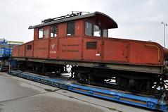 passenger(0.0), freight car(0.0), passenger car(0.0), electric locomotive(0.0), railroad car(0.0), asphalt(1.0), vehicle(1.0), train(1.0), transport(1.0), rail transport(1.0), locomotive(1.0), rolling stock(1.0), track(1.0), land vehicle(1.0),