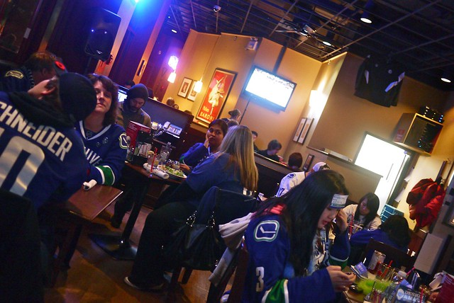 Canucks Tweetup #1 | Boston Pizza