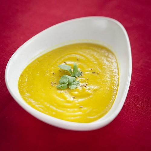 Curried parsnip soup / Vürtsidega pastinaagisupp