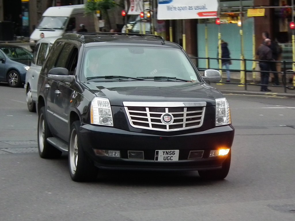 CADILLAC ESCALADE UK | CADILLAC ESCALADE UK