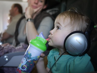the sippy cup + sony combo = airplane heaven