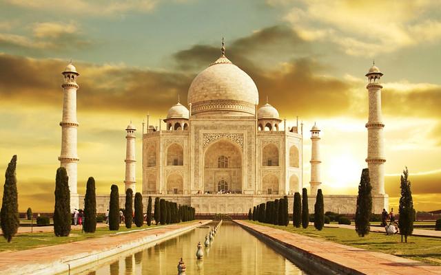 Taj Mahal HD Widescreen Wallpaper 1280x800 (2011) [By Superphotosearch]