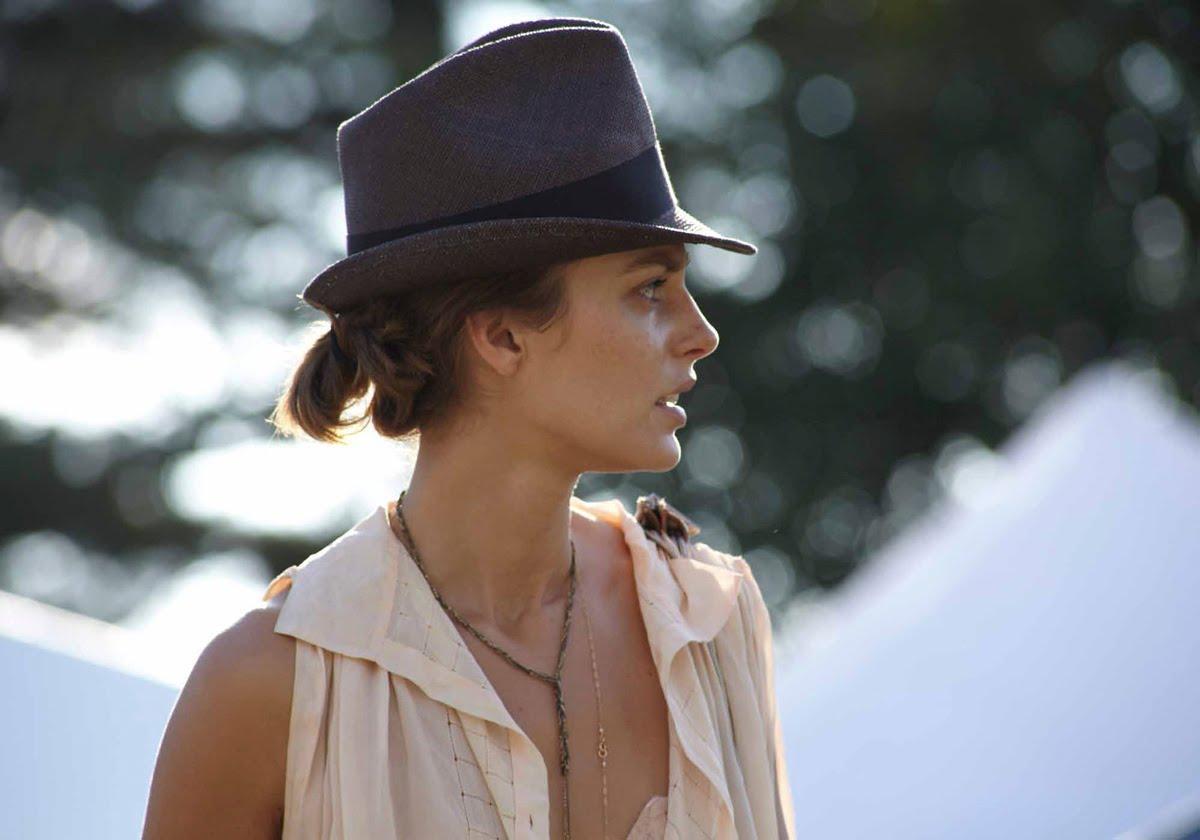 Aurelie-Claudel-sombrero
