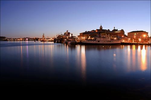 morning water night reflections göteborg nikon long exposure gothenburg casino clear vatten natt skeppsbron d90 nikond90 stenpiren cosomopol