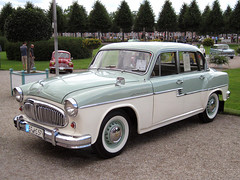 mercedes-benz w120(0.0), mercedes-benz w111(0.0), automobile(1.0), automotive exterior(1.0), simca vedette(1.0), vehicle(1.0), compact car(1.0), antique car(1.0), sedan(1.0), classic car(1.0), vintage car(1.0), land vehicle(1.0), luxury vehicle(1.0),