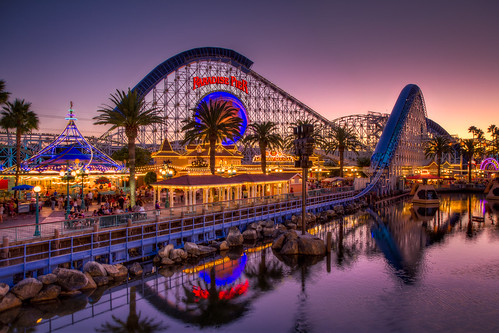 california light sunset color canon disneyland disney adventure boardwalk rollercoaster midway screaming dca hdr mania paradisepier screamin photomatix colorefex canon60d