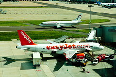 Easyjet A319, Gatwick, Sept. 2011