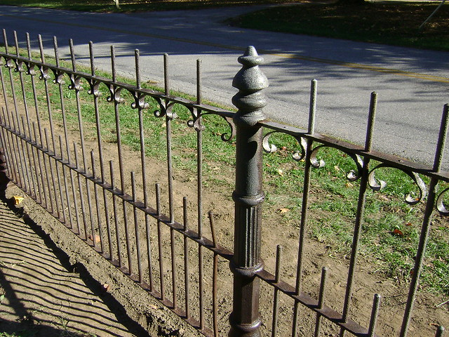 Clean The Decorative Wrought Iron Railing : 6309496370_243bb961bf_z.jpg