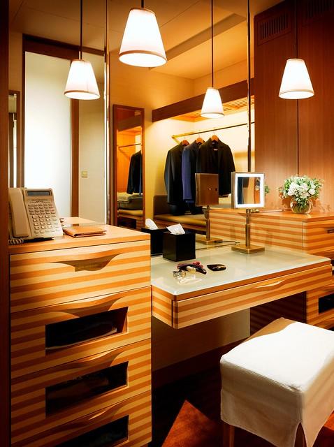Deluxe Room Dressing Room