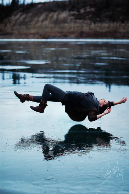 6416243789 3cf05f17b0 z [Pics] Flickr Spotlight #10 – Levitation