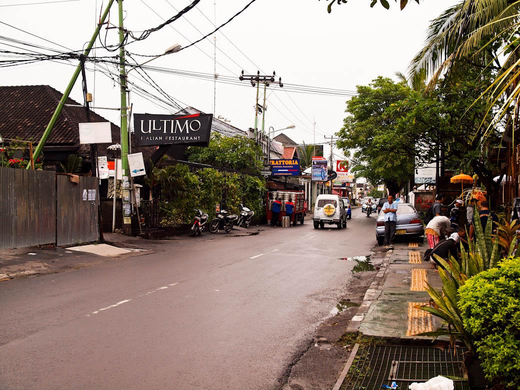 Bali - Seminyak main road