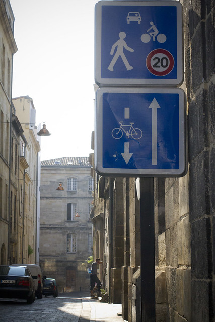 bicycle culture by design bicycle infrastructure 39 n stuff in paris bordeaux. Black Bedroom Furniture Sets. Home Design Ideas