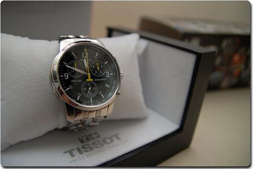 groupon chine accus de vendre des fausses montres tissot. Black Bedroom Furniture Sets. Home Design Ideas