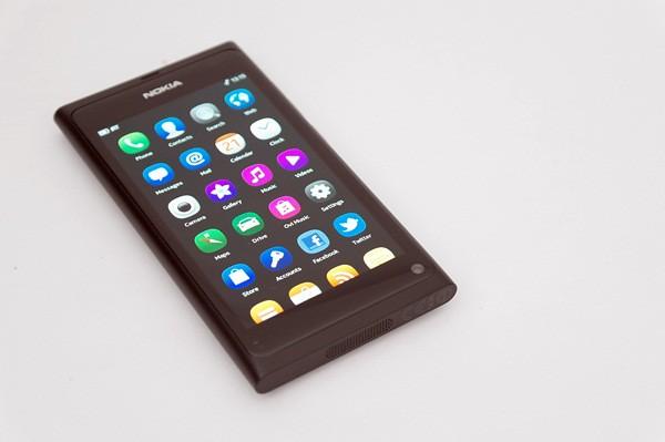 Nokia N9-10