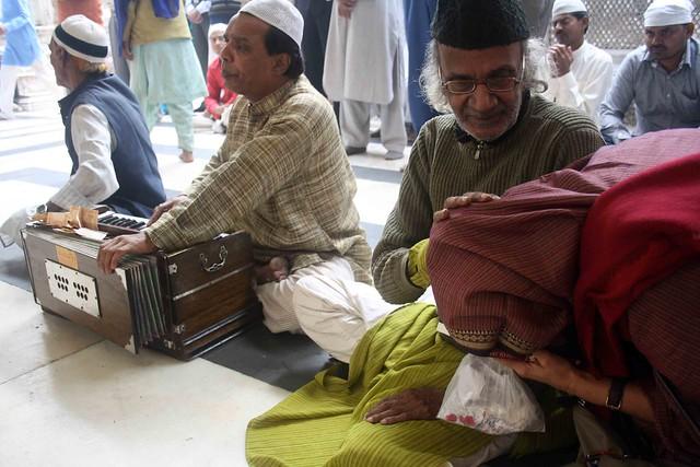 City Moment – Heart to Heart, Hazrat Nizamuddin Dargah