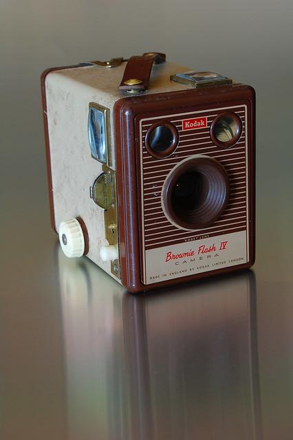 classic cameras 128 kodak brownie flash iv. Black Bedroom Furniture Sets. Home Design Ideas