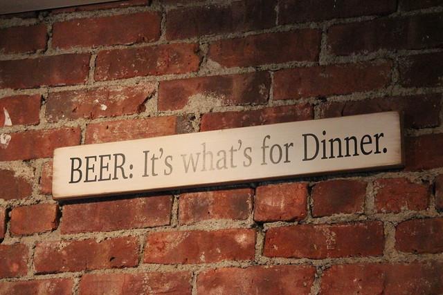 6231481801 3a63cf3222 z Beer Bar   Eddies Roadhouse