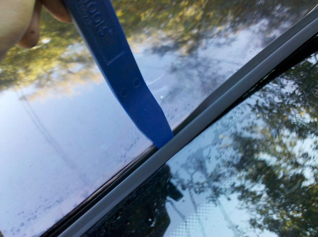 Diy rear window seal replacement 1 flickr photo sharing for Diy window replacement