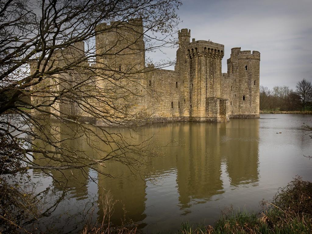 Bodiam Castle SWC_20110402_16_DxO_1024x768