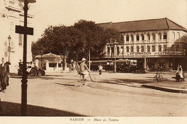 Saïgon. Le Tramway - Place du Théâtre