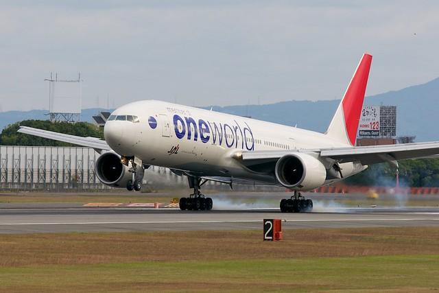 JAL (oneworld) Boeing 777-200 JA771A