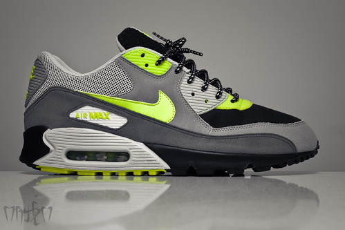 "Nike Air Max 90 ""Dave White x Size?"""