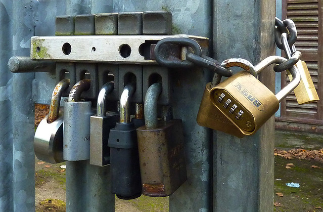 Water Company Padlocks, Panasonic DMC-TZ65