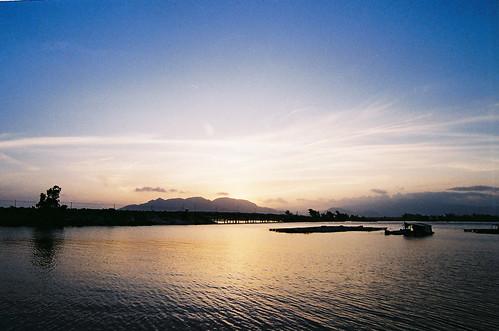 Hoàng hôn trên đầm Thủy Triều, Cam Ranh