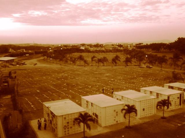 Cementerio jardines de esperanza guayaquil flickr for Cementerio jardin